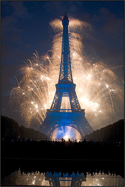 tour_eiffel_feux_d_artifice.jpg
